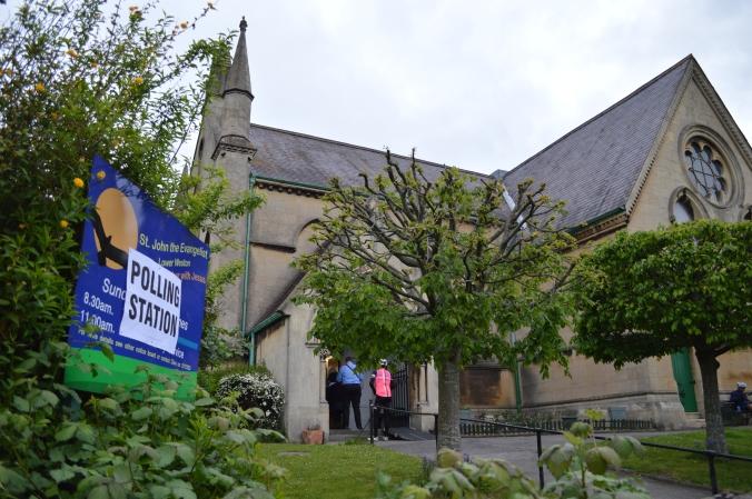 Lower_Weston,_Bath,_church_as_polling_station,_2015.JPG