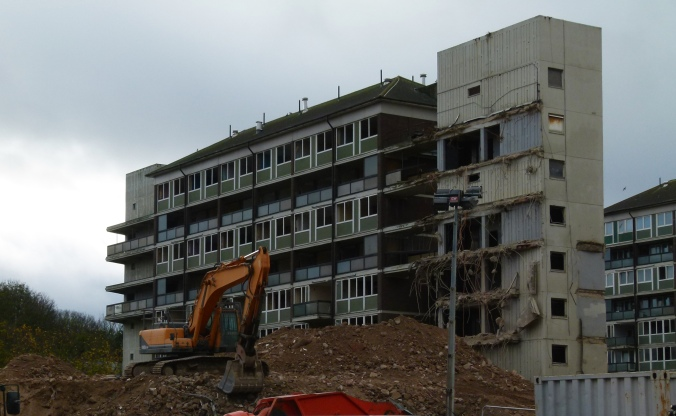 2015-London-Woolwich,_demolition_Connaught_Estate_02.jpg